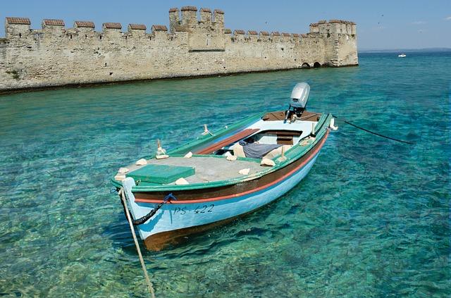 barca castello di sirmione